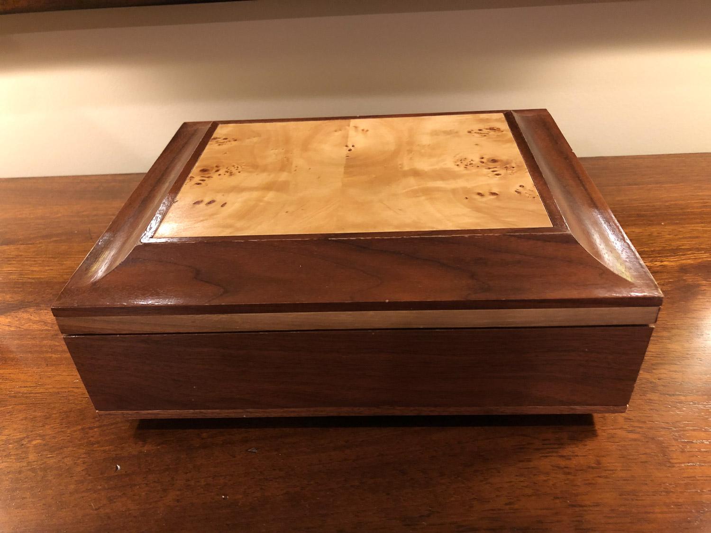 Jewelry box with inlay